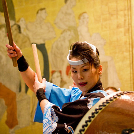 Tambours du Japon : style Oedo Sukeroku Taiko
