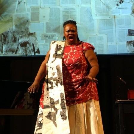 Ann Masina dans Paper Music